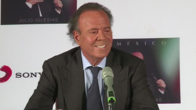 vídeos de stock, filmes e b-roll de julio iglesias announced on his 72nd birthday on wednesday that mexico will be his last studio album but the iconic spanish crooner insisted he would... - título de álbum