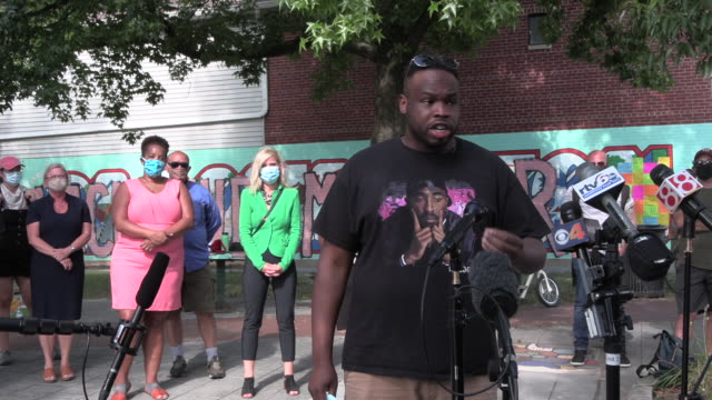 vauhxx booker who was attacked during an alleged attempted lynching on the 4th of july at monroe lake speaks during a press conference at peoples... - dragging stock videos & royalty-free footage