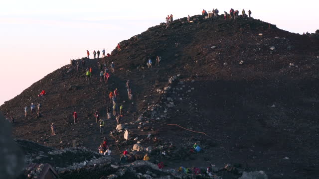 july 10 many climbers near the summit of mt fuji - mt fuji stock videos & royalty-free footage