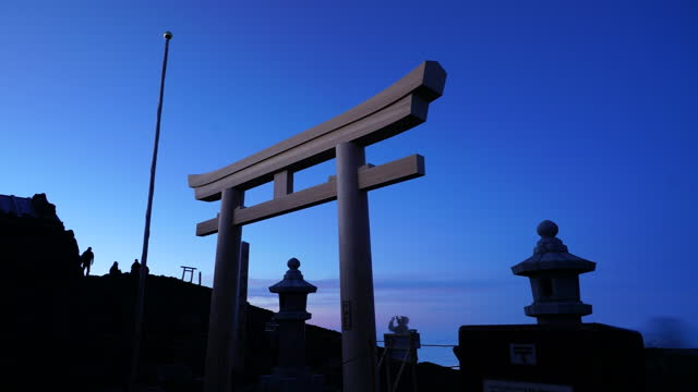 july 12 time-lapse, around shrine gate of fujisan hongu sengen taisha oku-no-miya at summit of mt fuji with climbers at dawn - shinto shrine stock videos & royalty-free footage