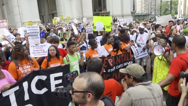 protesting the death of eric garner who was chokehold to his death by nypd officer daniel pantaleo garner's reported last words before dying were i... - new york daily news stock videos and b-roll footage