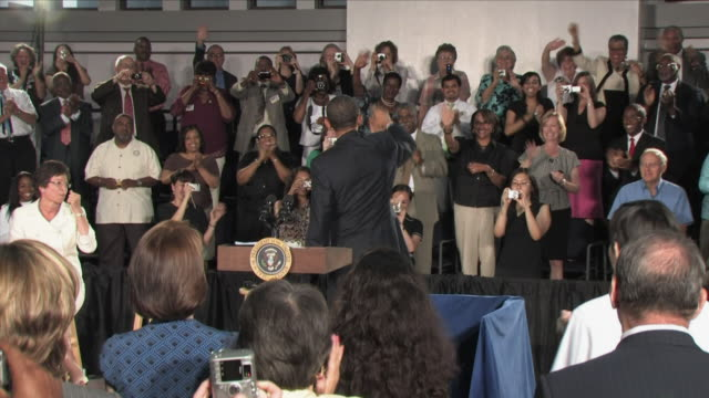 July 2 2009 MS ZI PAN President Obama entering and taking the stage at healthcare reform townhall meeting / Annandale Virginia / AUDIO