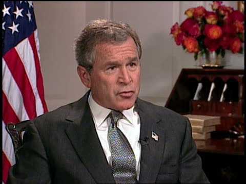 vídeos y material grabado en eventos de stock de july 2003 medium shot g w bush talking about acting on threats to us / white house / audio - vestimenta de negocios formal