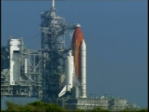 july 26, 2005 wide shot view of space shuttle discovery on launch pad at edwards air force base / ca - space shuttle discovery stock videos & royalty-free footage