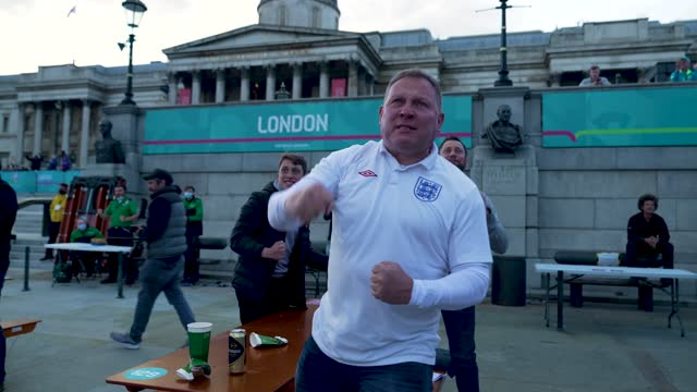 june 22 on june 22: england fan celebrate as england score their first goal on 2021 in london, england. england are already through to the knockout... - celebration stock videos & royalty-free footage