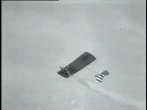 vidéos et rushes de june 8, 1931 montage rocket glider flying at new jersey airstrip / atlantic city, new jersey, united states - 1931