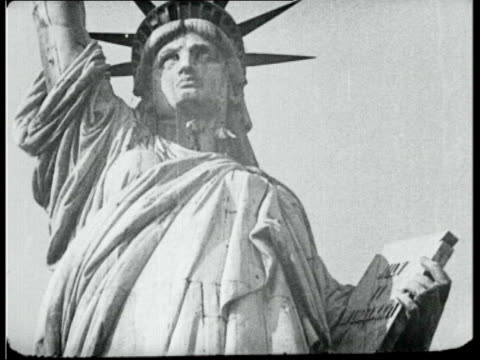 june; in 1885 the statue of liberty arrived in new york city lib usa: new york: ext men climbing on the statue of liberty - freiheitsstatue stock-videos und b-roll-filmmaterial