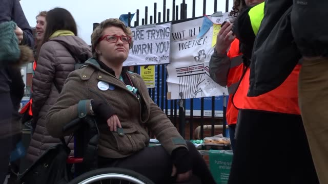 st george's hospital / protest march england london st george's hospital ext junior doctors on picket line / 'i support junior doctors bma' sticker /... - petition stock-videos und b-roll-filmmaterial