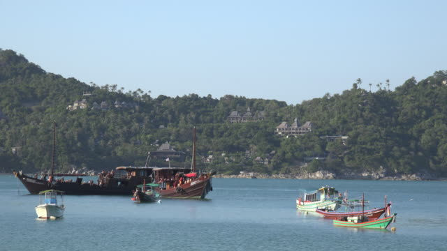 junk ships driving on the sea - gulf of thailand stock videos & royalty-free footage