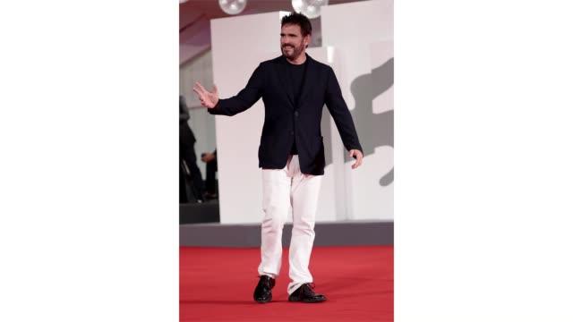 venice italy september 09 jury member matt dillon walks the red carpet ahead of the movie spy no tsuma at the 77th venice film festival on september... - gif stock videos & royalty-free footage