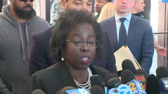 WGN Jussie Smollett's Lawyer Patricia Brown Holmes speaks with members of the media after a hearing with Smollett where in a stunning reversal...