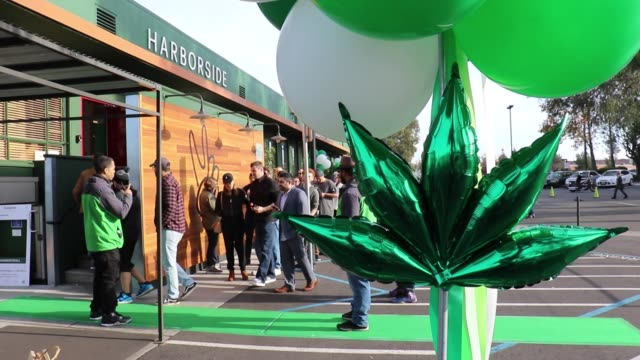 just outside the harborside health center , a cannabis dispensary in oakland , california, customers line up to buy marijuana on new year's day, the... - stephenie hollyman stock videos & royalty-free footage