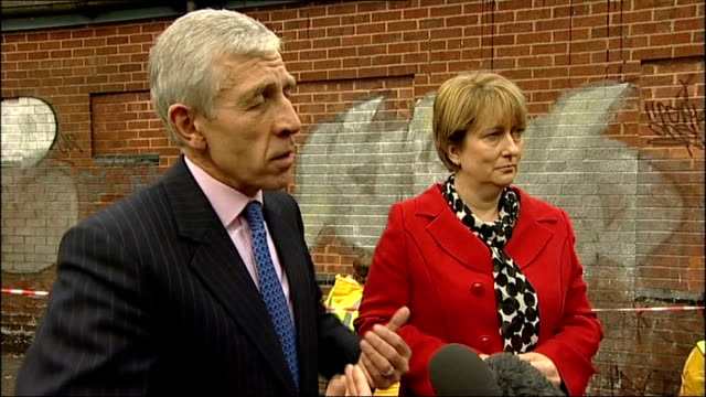 Justice Secretary Jack Straw and Home Secretary Jacqui Smith visit Lyndhurst Estate in Birmingham Unemployment is down compared to 11 years ago...
