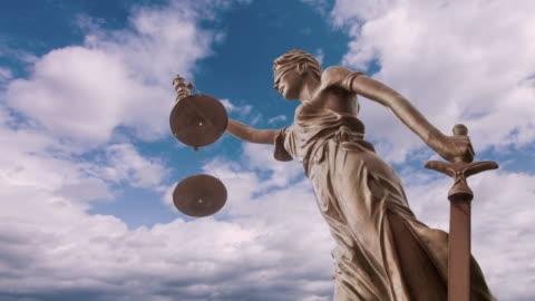 justice-statue - law stock-videos und b-roll-filmmaterial