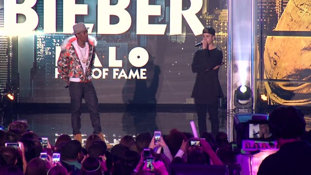 speech – justin bieber accpets halo hall of fame award at 2015 nickelodeon halo awards at pier 36 on november 14 2015 in new york city - nickelodeon stock videos & royalty-free footage