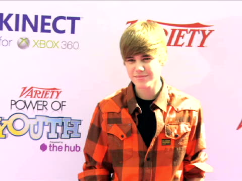justin bieber at the variety's power of youth 2010 at hollywood ca - 2010 bildbanksvideor och videomaterial från bakom kulisserna