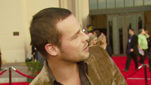 vídeos y material grabado en eventos de stock de justin chambers on presenting snow patrol on attending for the first time on the grey's anatomy going well at the 2006 american music awards at the... - snow patrol