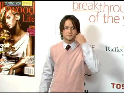 vidéos et rushes de justin chatwin at the hollywood life magazine's breakthrough of the year awards at the henry fonda theatre in hollywood, california on december 4,... - henry fonda theatre