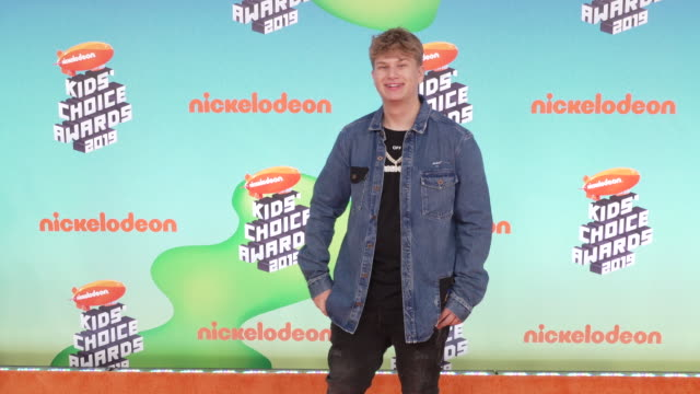 justin roberts at the nickelodeon's 2019 kids' choice awards at galen center on march 23, 2019 in los angeles, california. - nickelodeon stock videos & royalty-free footage
