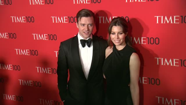 justin timberlake and jessica biel at 2013 time 100 gala arrivals at frederick p rose hall jazz at lincoln center on april 23 2013 in new york new... - justin timberlake stock-videos und b-roll-filmmaterial