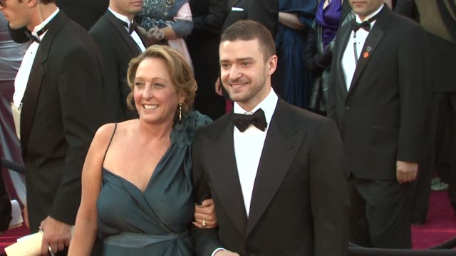 justin timberlake and lynn harless at the 83rd annual academy awards arrivals at hollywood ca - justin timberlake stock-videos und b-roll-filmmaterial