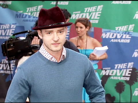 justin timberlake at the 2006 mtv movie awards red carpet at sony pictures studios in culver city, california on june 3, 2006. - justin timberlake stock videos & royalty-free footage