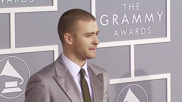 justin timberlake at the 2007 grammy awards arrivals at staples center in los angeles california on february 11 2007 - justin timberlake stock-videos und b-roll-filmmaterial