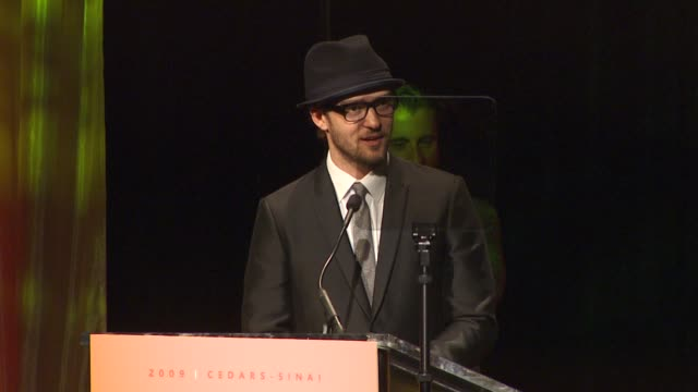 justin timberlake on the award and event at the 2009 cedarssinai board of governors gala at century city ca - justin timberlake stock-videos und b-roll-filmmaterial