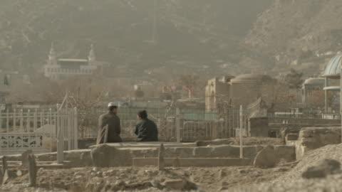 vidéos et rushes de kabul graveyard - afghanistan