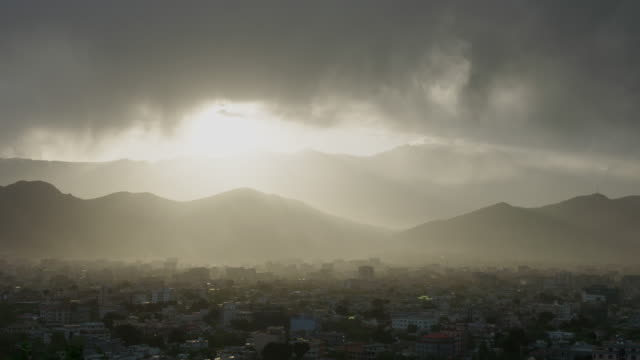 stockvideo's en b-roll-footage met kabul sunset - afghanistan