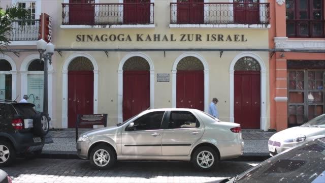 kahal zur israel synagogue in recife stands as the oldest existing synagogue in the americas, housing a jewish cultural center and museum. - digital spegelreflexkamera bildbanksvideor och videomaterial från bakom kulisserna