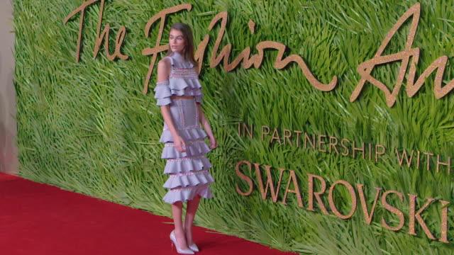 kaia gerber at the fashion awards 2017 at royal albert hall on december 04 2017 in london england - 2017 bildbanksvideor och videomaterial från bakom kulisserna
