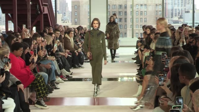 kaia gerber, models and designer sophie delafontaine on the runway for the longchamp fall winter 2020 fashion show in new york city new york city,... - ニューヨークファッションウィーク点の映像素材/bロール