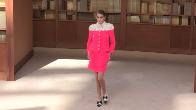 kaia gerber models and designer virginie viard on the runway for the chanel couture fall winter 2019 fashion show in paris tuesday july 2nd 2019... - paris fashion week stock videos & royalty-free footage