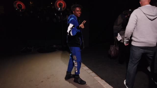 stockvideo's en b-roll-footage met kailand morris attends the balmain show during paris fashion week menswear f/w 20192020 on january 18 2019 in paris france - herfst winter collectie