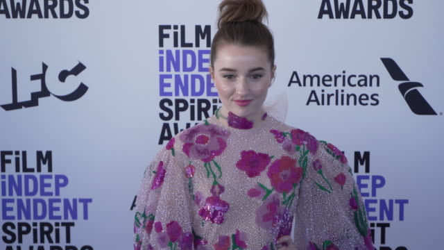 kaitlyn dever at the 2020 film independent spirit awards on february 08 2020 in santa monica california - film independent spirit awards stock videos & royalty-free footage