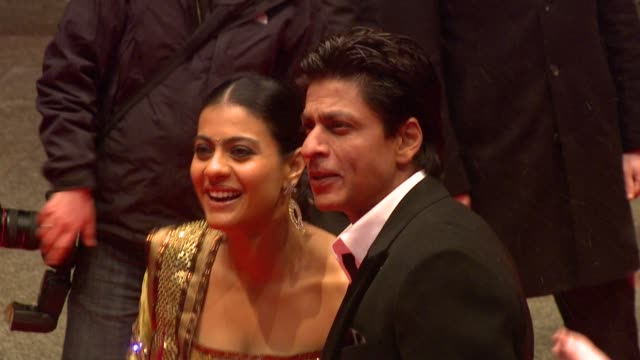 vídeos de stock e filmes b-roll de kajol and shah rukh khan at the my name is khan premiere: 60th berlin film festival at berlin . - festival cinematográfico