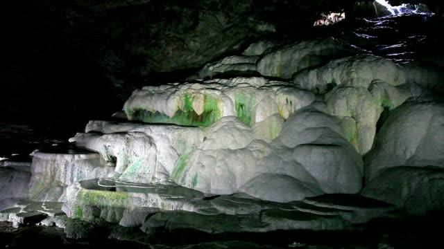 hd: kaklik höhle-türkei - schwefelquellen stock-videos und b-roll-filmmaterial