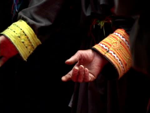 cu kalashas at funeral shaking hands, shitral valley, north west province, pakistan - menschlicher arm stock-videos und b-roll-filmmaterial