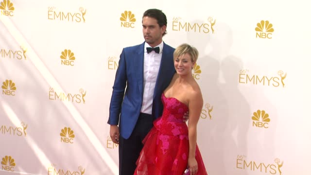 kaley cuoco and ryan sweeting - 66th primetime emmy awards - arrivals at nokia theatre l.a. live on august 25, 2014 in los angeles, california. - emmy awards stock-videos und b-roll-filmmaterial