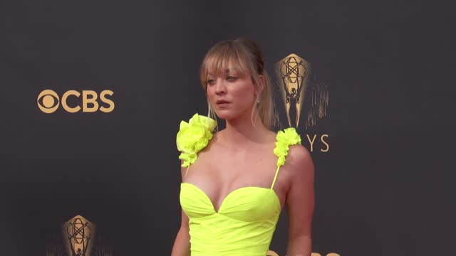 kaley cuoco arrives to the 73rd annual primetime emmy awards at l.a. live on september 19, 2021 in los angeles, california. - emmy awards stock videos & royalty-free footage