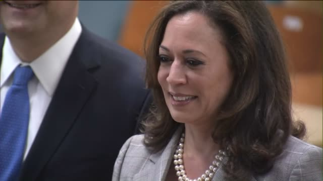 ktla kamala harris casts her ballot in the primary election - generalstaatsanwalt stock-videos und b-roll-filmmaterial