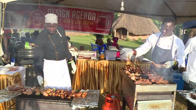 kampala mucomo festival is a meat lovers' festival. mucomo meaning roasted meat. footage shows meat lovers and roasters at the festival. footage has... - kampala stock videos & royalty-free footage