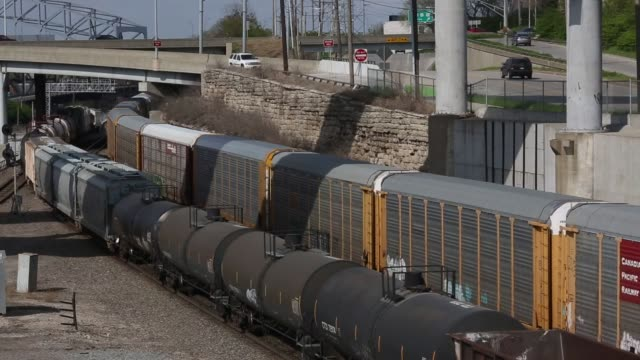 kansas city southern railway locomotives idle on a fuel pad before pulling freight trains from kcss knoche yard in kansas city missouri us on... - c119gs stock videos & royalty-free footage