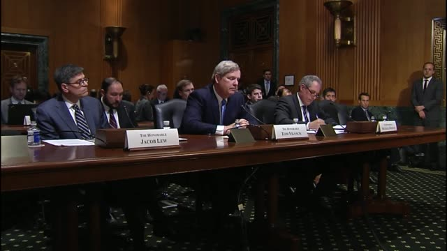 kansas senator pat roberts asks agriculture secretary tom vilsack about trading in seeds and commodities developed based on us researched... - usa:s senat bildbanksvideor och videomaterial från bakom kulisserna