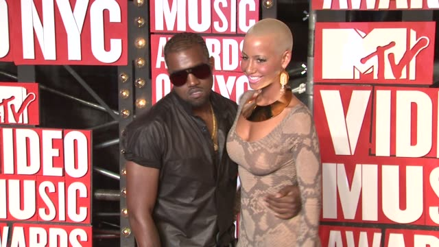 Kanye West and Amber Rose at the 2009 MTV Video Music Awards at New York NY