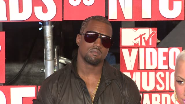 Kanye West at the 2009 MTV Video Music Awards at New York NY