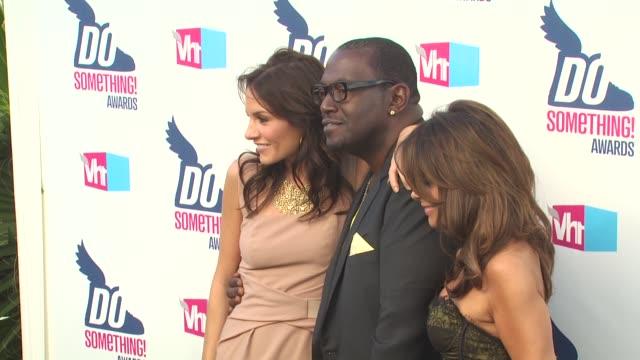 Kara DioGuardi Randy Jackson Paula Abdul at the 2010 VH1 Do Something Awards at Hollywood CA