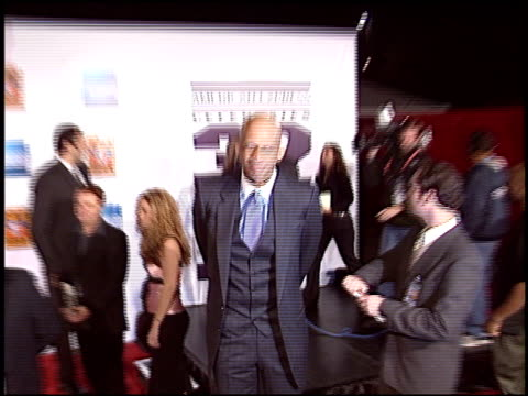 kareem abduljabbar at the magic johnson tribute at the shrine auditorium in los angeles california on february 12 2004 - magic johnson stock-videos und b-roll-filmmaterial