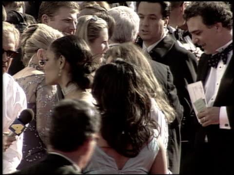 vidéos et rushes de karen black at the 2000 academy awards at the shrine auditorium in los angeles california on march 26 2000 - 72e cérémonie des oscars